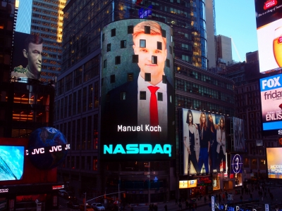Manuel Koch auf der Nasdaq-Videowall am Times Square
